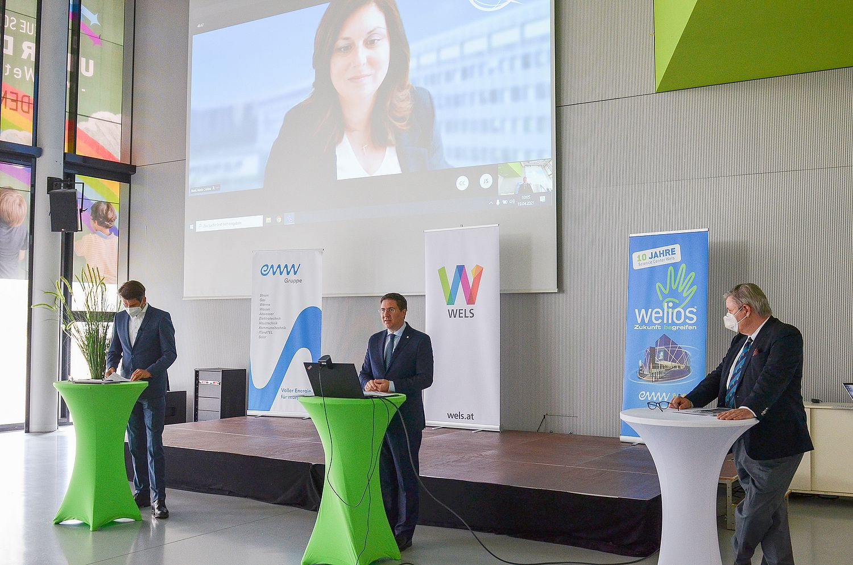Stadtrat Peter Lehner, Bürgermeister Dr. Andreas Rabl und Dr. Stefan Mackowski. Digital zugeschaltet: Dr. Cristina Bueti