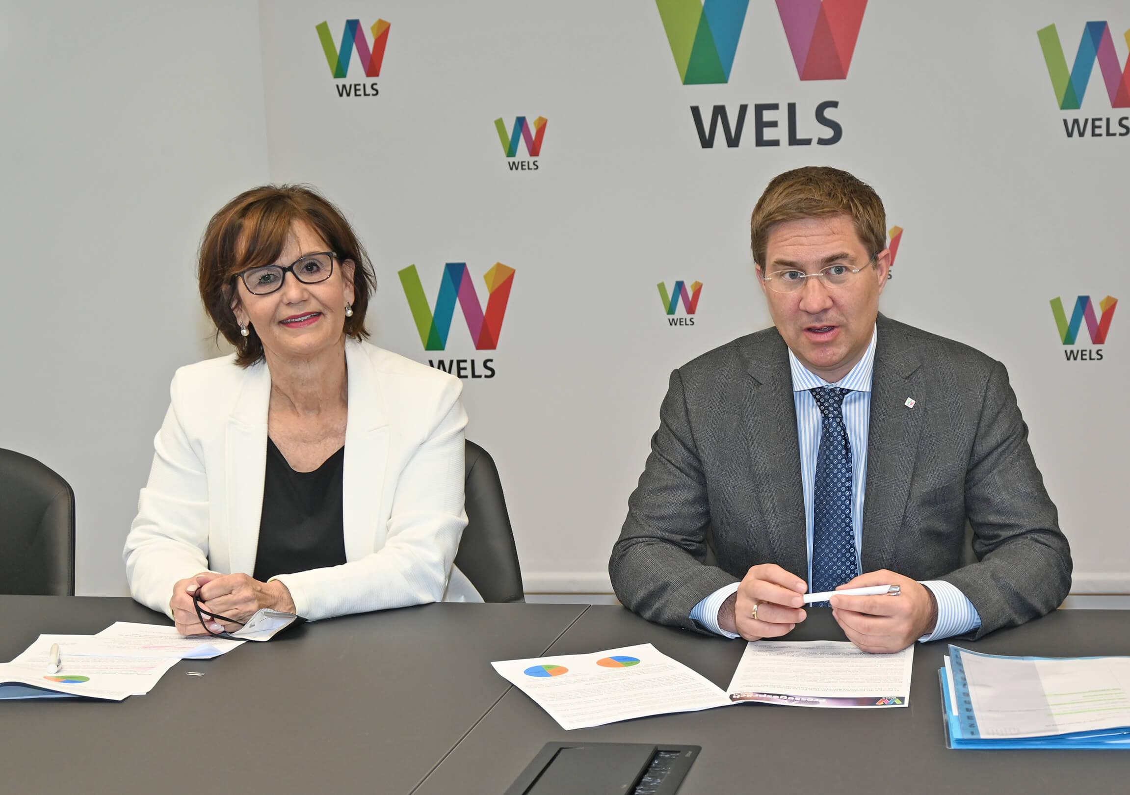 Der Bürgermeister und Stadträtin Josseck-Herdt bei der Pressekonferenz