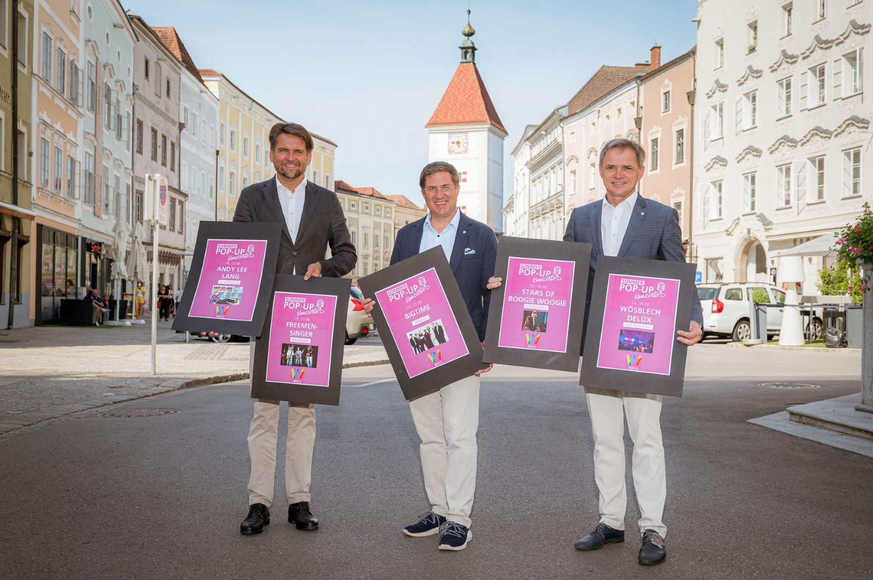 Bürgermeister Dr. Andreas Rabl mit Wirtschaftsstadtrat Peter Lehner und Peter Jungreithmair, MBA von Wels Marketing & Touristik GmbH