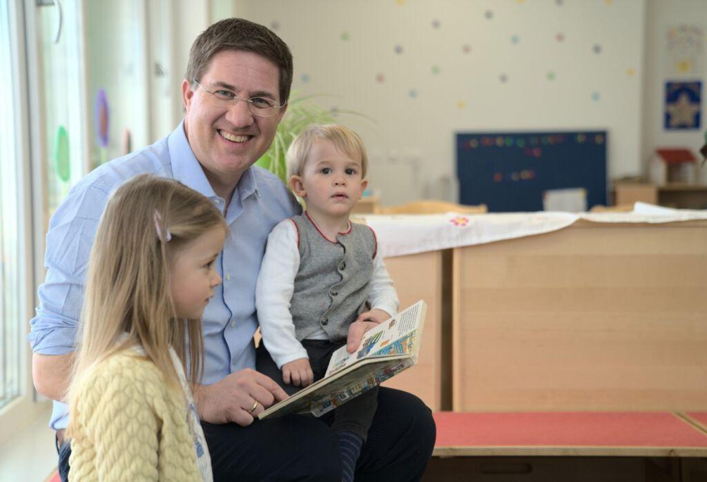 Dr. Rabl mit Kinder